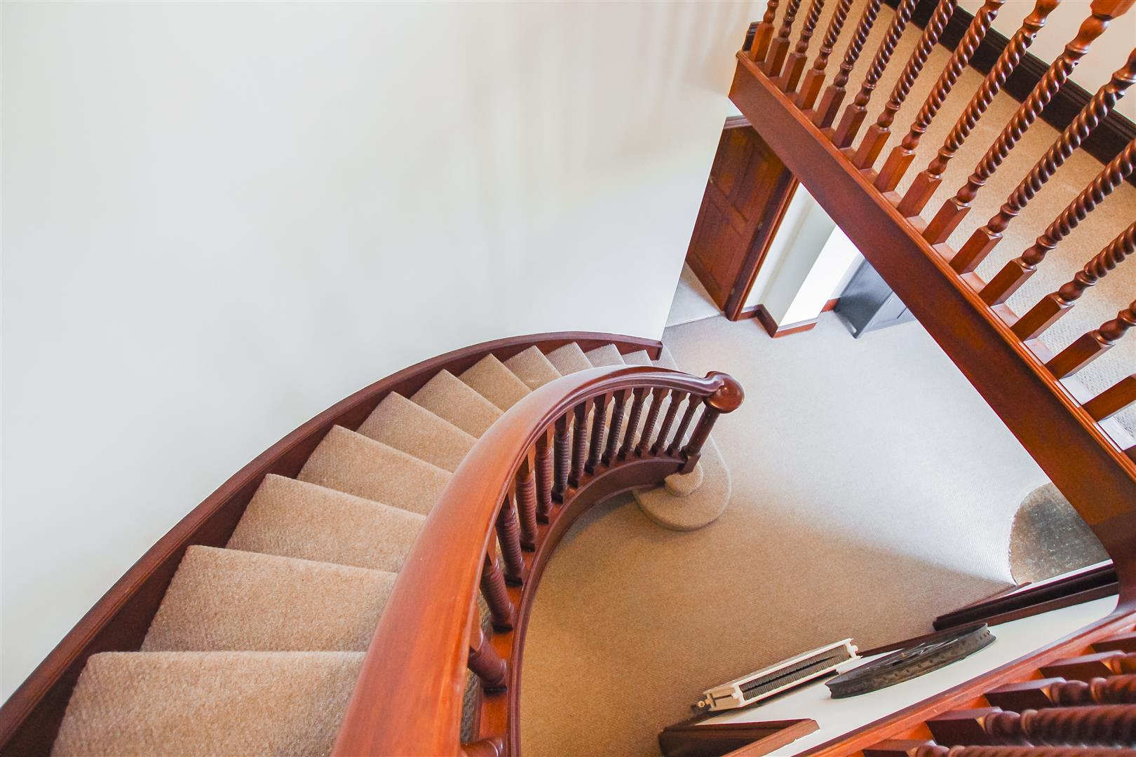 6 Bedroom Detached House For Sale - Staircase